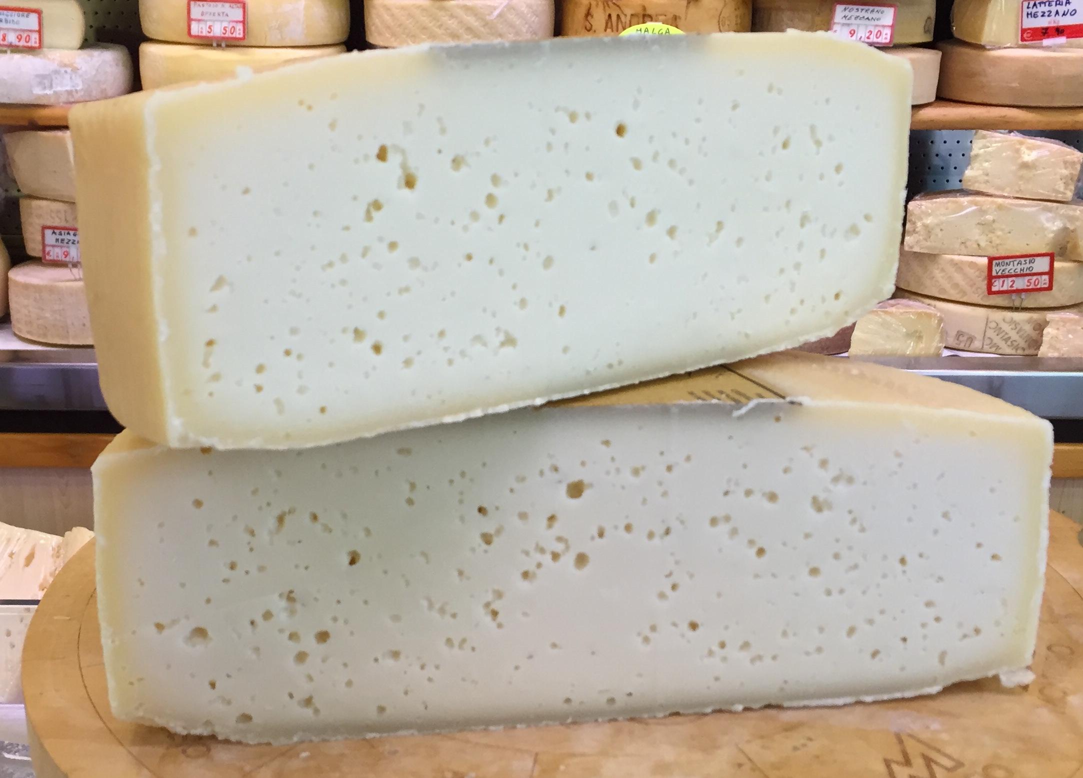 Risultati immagini per formaggi da latte crudo